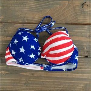Other - Xhilaration flag print push up bikini top 👙